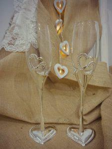 Ποτήρια Σαμπάνιας με μεταλλικές καρδιές